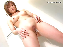 相沢恵理可。現役パイパン看護婦 。  放尿・おしっこ 2
